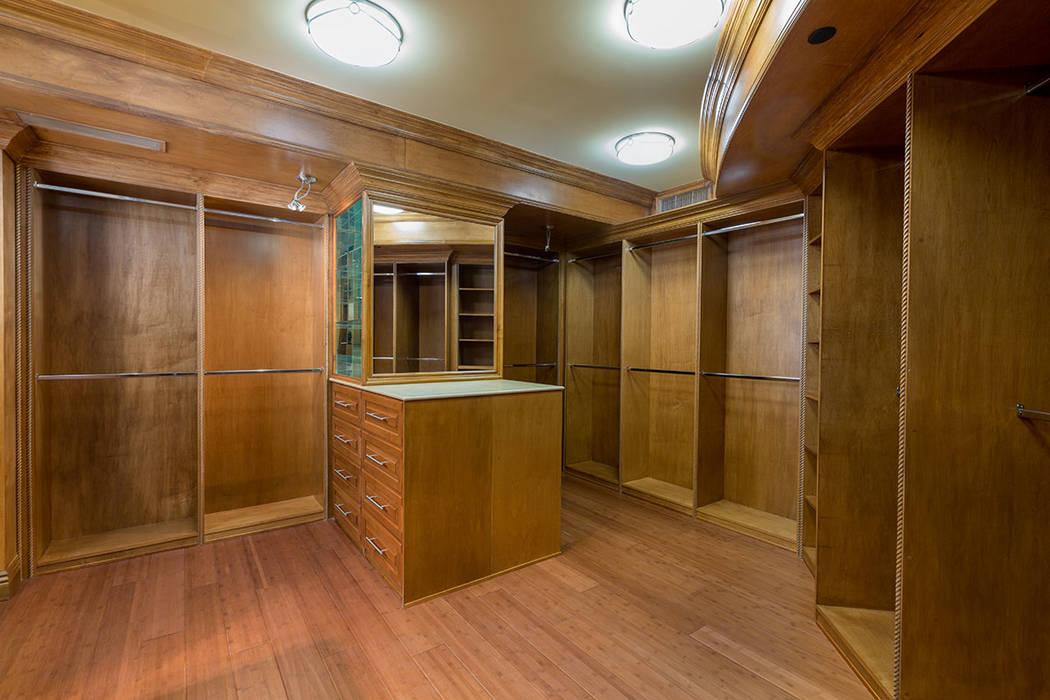 The master closet. (Luxury Estates International)