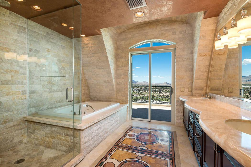 The master bath (Luxury Estates International)