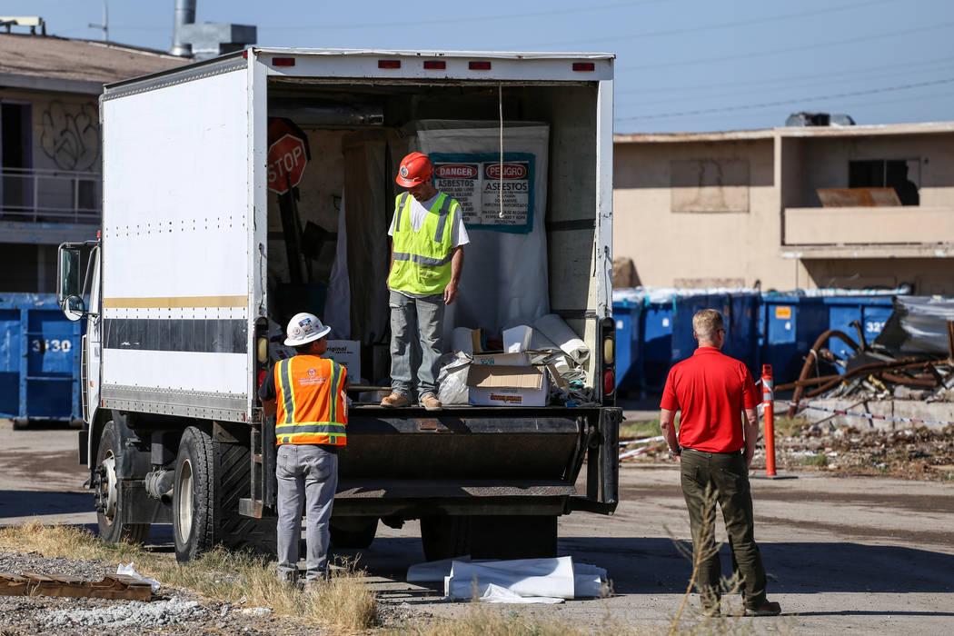 Construction crews clean up remnants of the demolished Moulin Rouge in Las Vegas, Thursday, Oct. 19, 2017. Joel Angel Juarez Las Vegas Review-Journal @jajuarezphoto