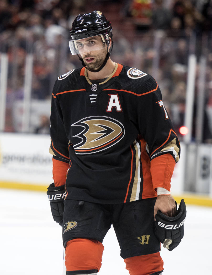 Anaheim Ducks left wing Andrew Cogliano during the second period of an NHL hockey game Wednesday, Nov. 1, 2017, in Anaheim, Calif. (AP Photo/Kyusung Gong)