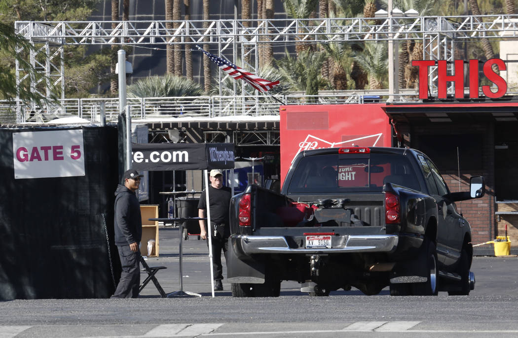Vendors arrive at the festival site to reclaim their property Thursday, Nov. 2, 2017, in Las Vegas. Bizuayehu Tesfaye/Las Vegas Review-Journal @bizutesfaye