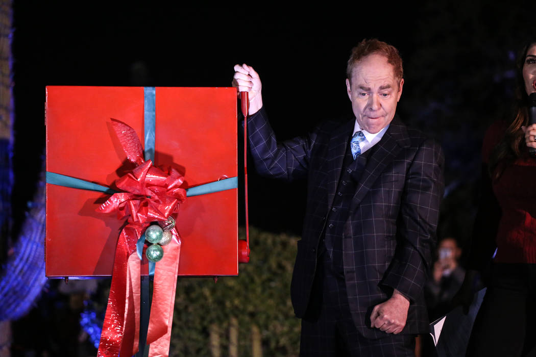 Teller of Penn and Teller pulls down a handle turning on the lights to the 24th Annual Holiday Cactus Garden in Henderson, Tuesday, Nov. 7, 2017. Joel Angel Juarez Las Vegas Review-Journal @jajuar ...