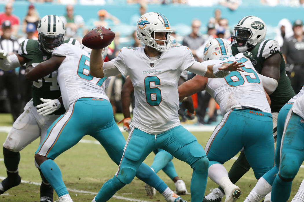 Miami Dolphins quarterback Jay Cutler (6) looks to pass, during the first half of an NFL football game against the New York Jets, Sunday, Oct. 22, 2017, in Miami Gardens, Fla. (AP Photo/Wilfredo Lee)