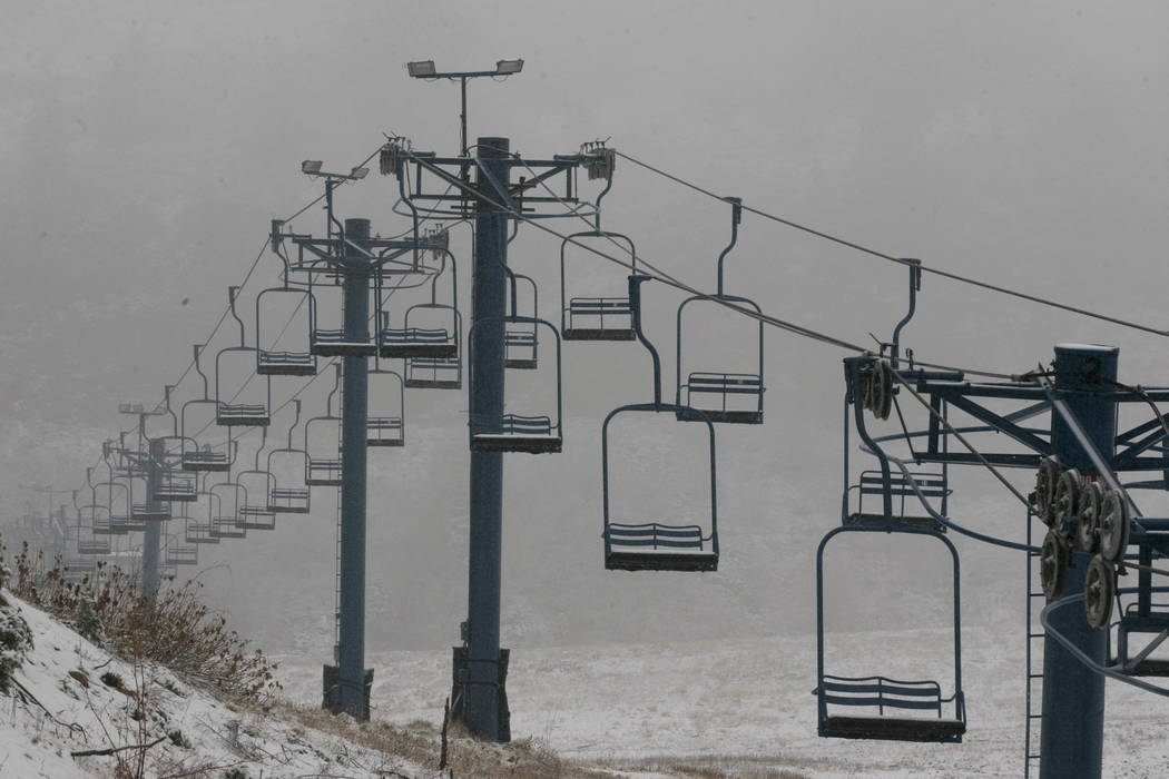 A chair lift sits idle at the Donner Ski Ranch near Soda Springs, Calif., Friday, Nov. 3, 2017.  (AP Photo/Rich Pedroncelli)