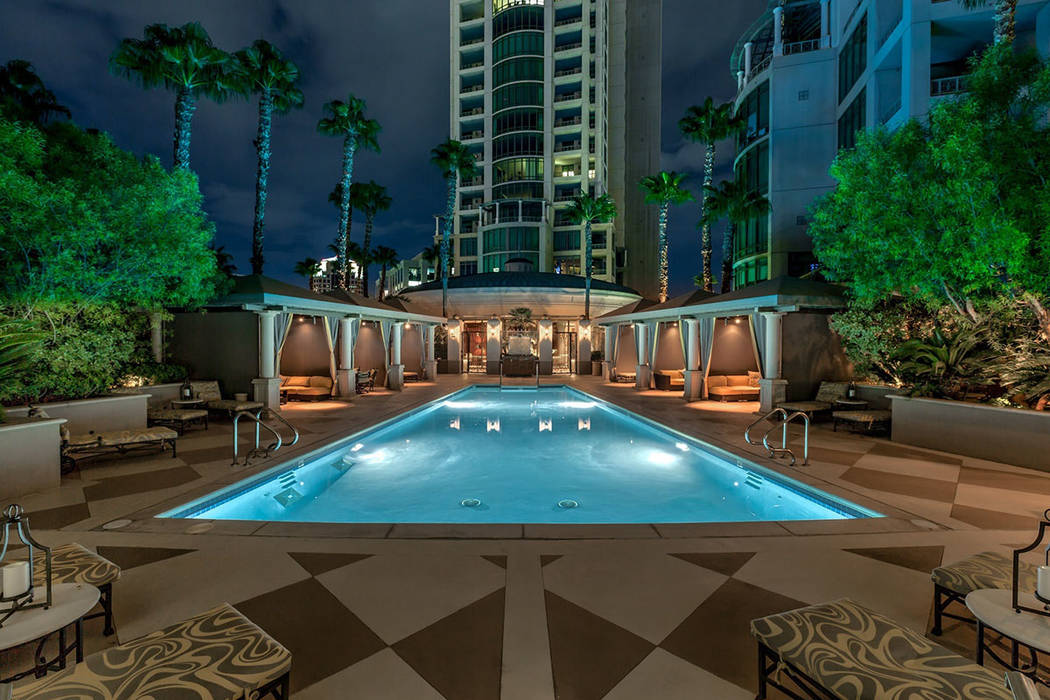 The pool. (Synergy|Sotheby's International Realty)