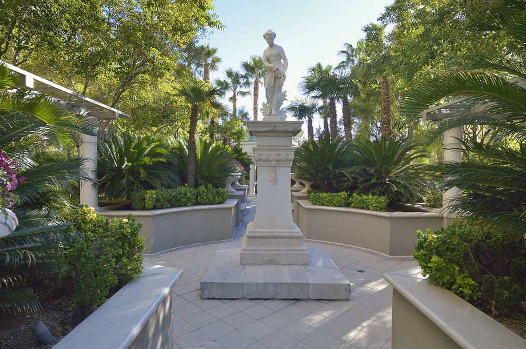 The garden outside of the home of Rich Worthington and Diane Boyle at Park Towers. (Bill Hughes Real Estate Millions)