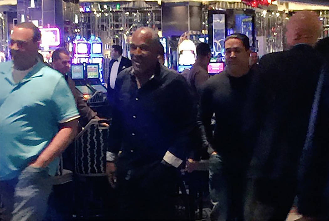 O.J. Simpson, seen at The Cosmopolitan (screengrab from Brian Munz‏ on Twitter)