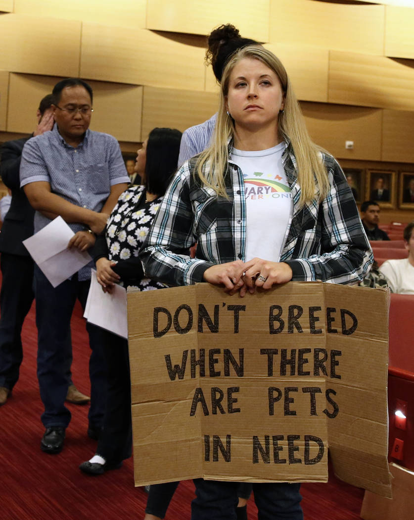 Chelsea Conlin stands in line to speak during the City Council meeting at Las Vegas City Hall Wednesday, Nov. 15, 2017. The council is expected to vote on a controversial repeal of a ban that woul ...