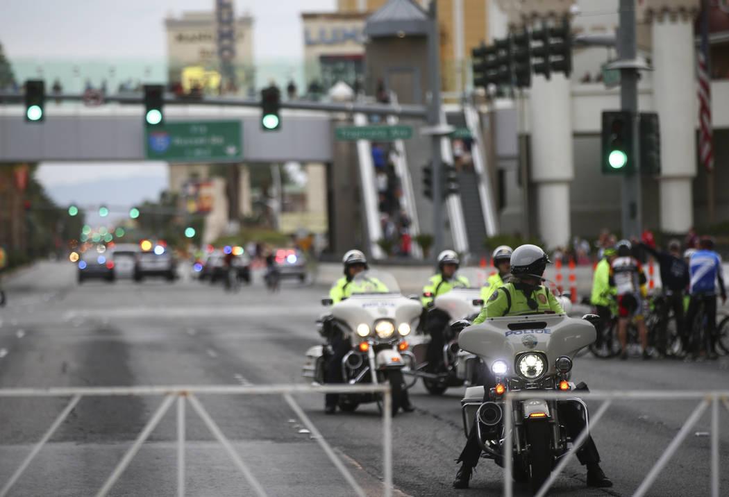 Henderson police officers before the start of the Rock 'n' Roll Marathon in Las Vegas on Sunday, Nov. 12, 2017. Chase Stevens Las Vegas Review-Journal @csstevensphoto