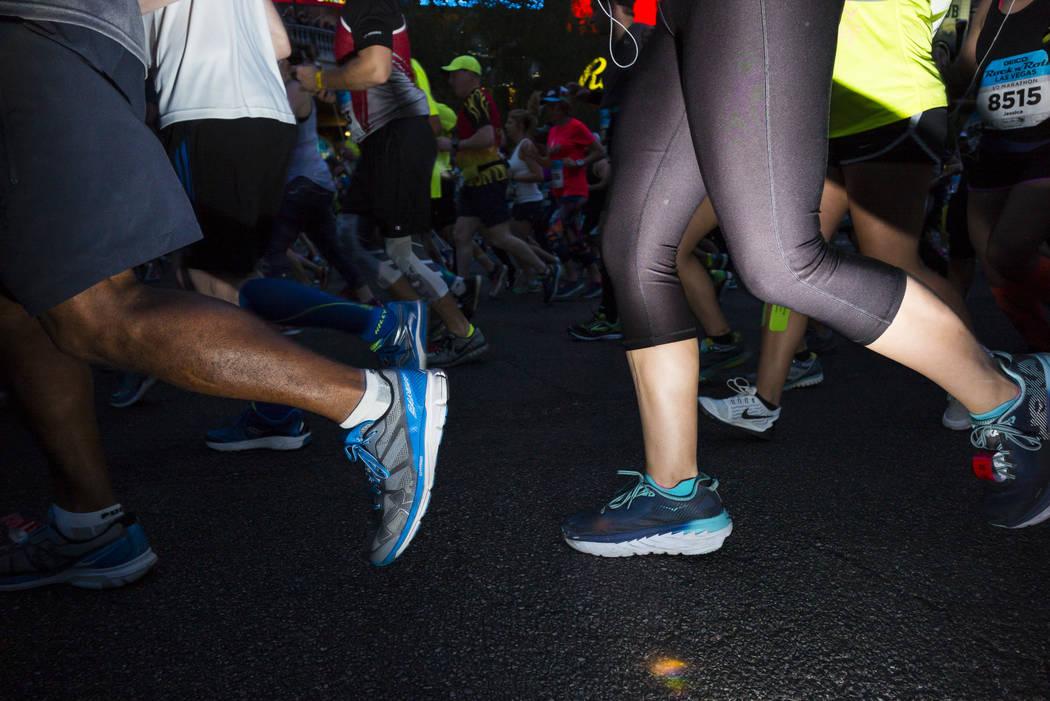 Runners at the start of the Rock 'n' Roll Marathon in Las Vegas on Sunday, Nov. 12, 2017. Chase Stevens Las Vegas Review-Journal @csstevensphoto