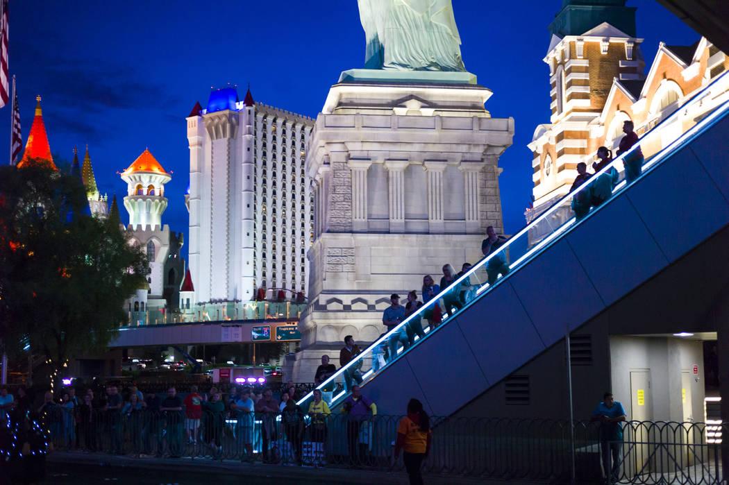 People watch race participants near the start of the Rock 'n' Roll Marathon in Las Vegas on Sunday, Nov. 12, 2017. Chase Stevens Las Vegas Review-Journal @csstevensphoto