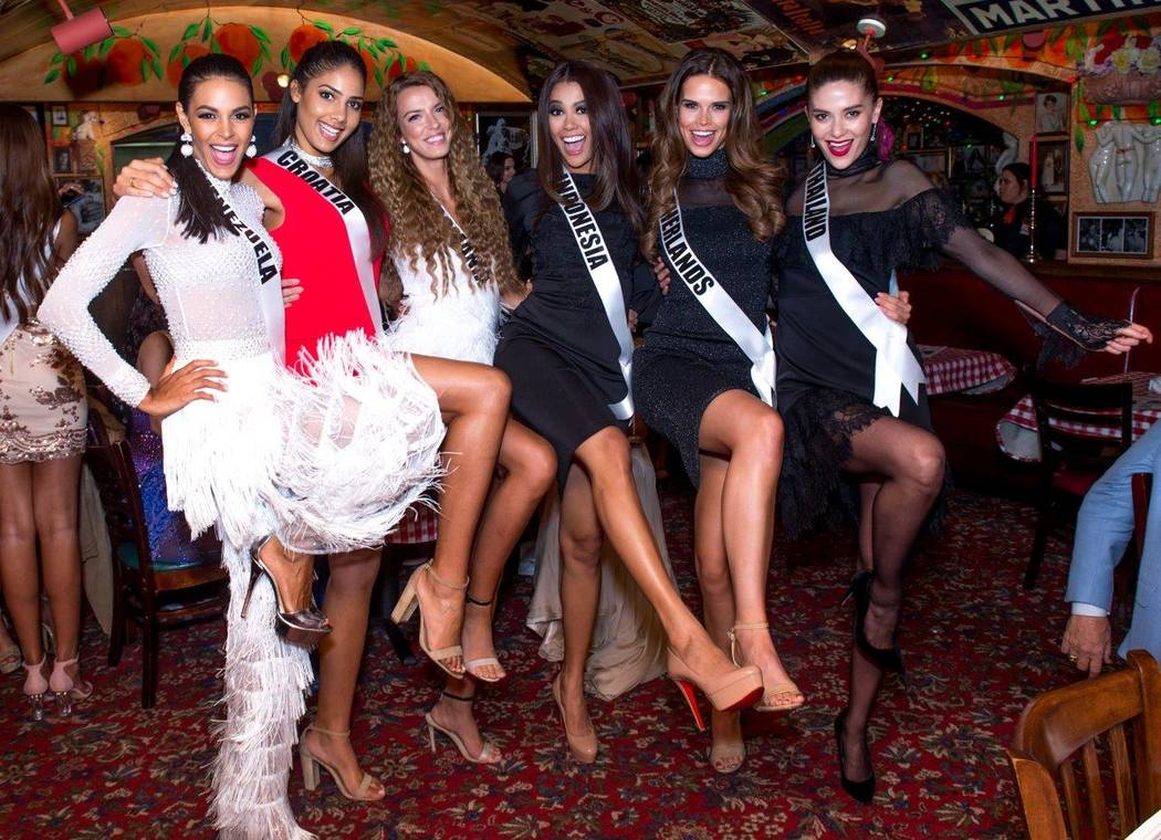 Miss Universe contestants at Buca di Beppo Italian restaurant on East Flamingo Road. (Tom Donoghue)