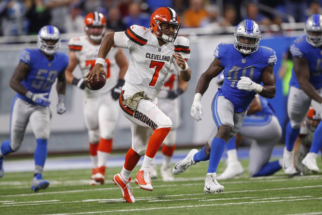 Cleveland Browns quarterback DeShone Kizer (7) runs against the Detroit Lions during an NFL football game in Detroit, Sunday, Nov. 12, 2017. (AP Photo/Paul Sancya)