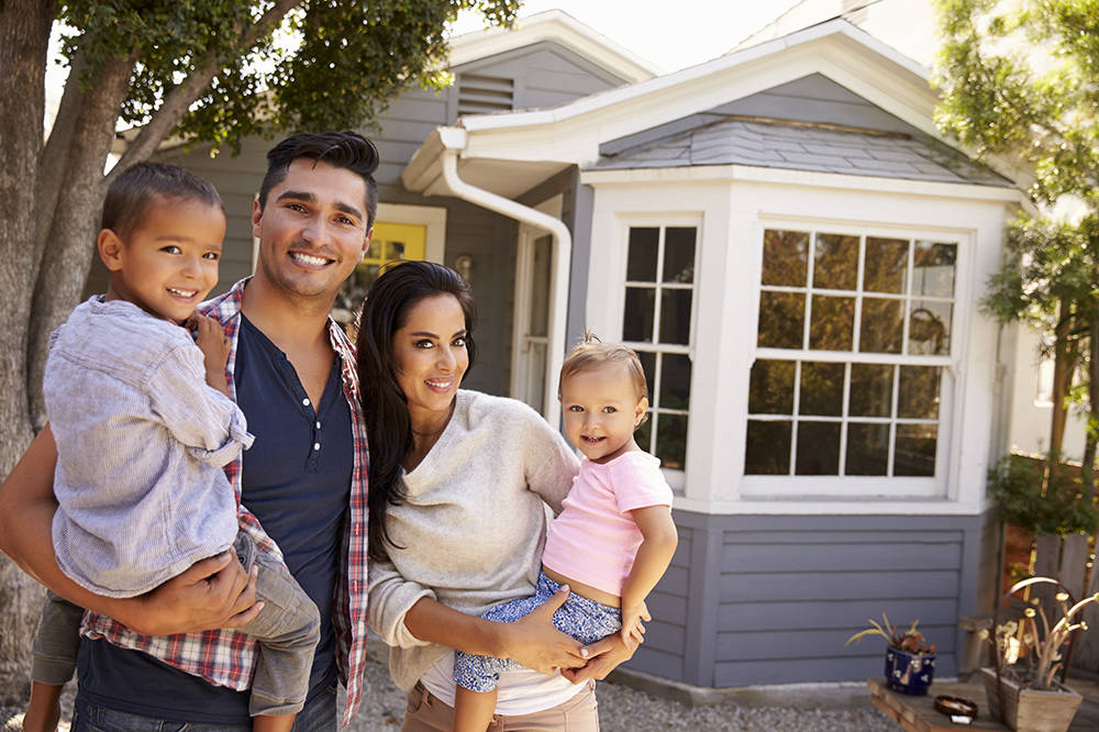 Mortgage lenders typically allow homeowners to pay off a certain percentage, such as 20 percent, of their remaining mortgage balance per year before charging a prepayment penalty. (Thinkstock)