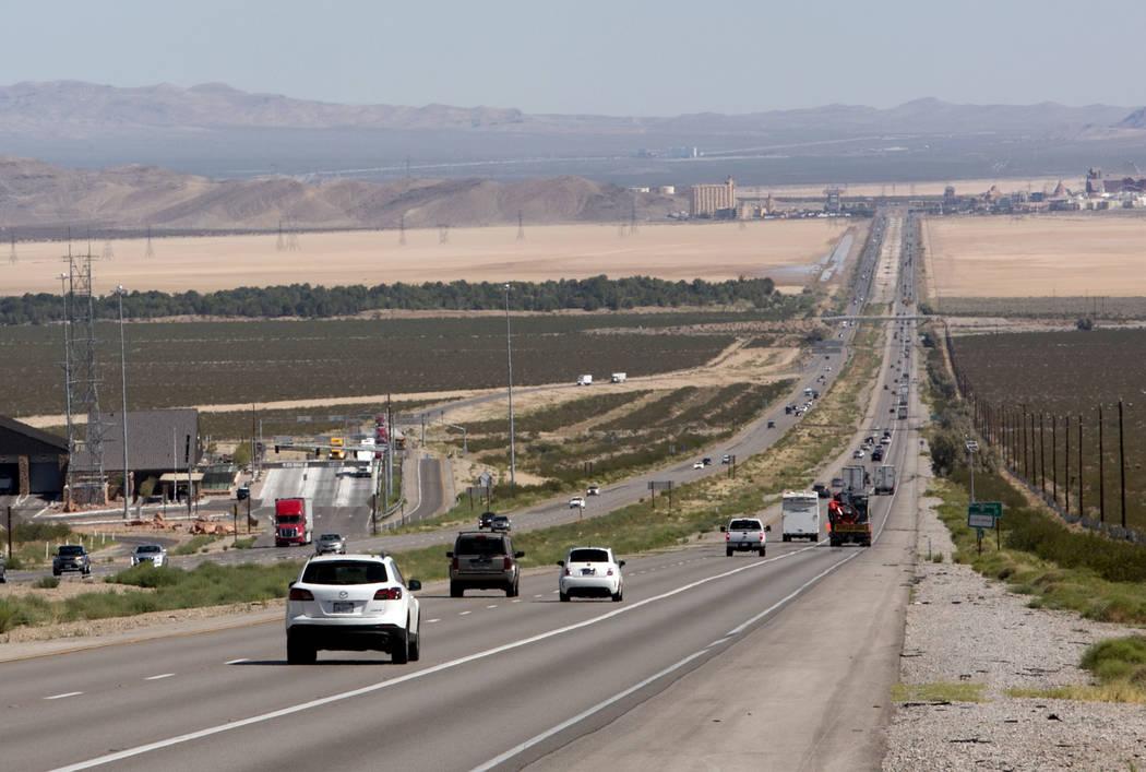 Traffic moves on Interstate 15 in California, seven miles south of Primm, near the Nipton Road exit. (Bizuayehu Tesfaye/Las Vegas Review-Journal)