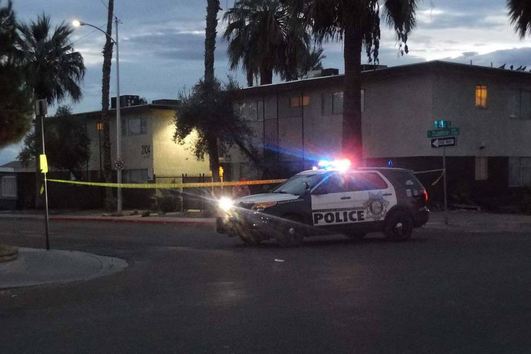 Las Vegas police are investigating a stabbing at an apartment complex near Sunrise Avenue and 21st Street, Friday, Nov. 17, 2017. (Max Michor/Las Vegas Review-Journal)