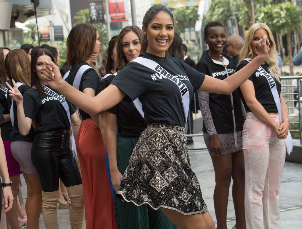 Miss Universe pageant contestants visit the Vegas Valley before this weekend's preliminary pageant for Monday evening. (Tom Donoghue)