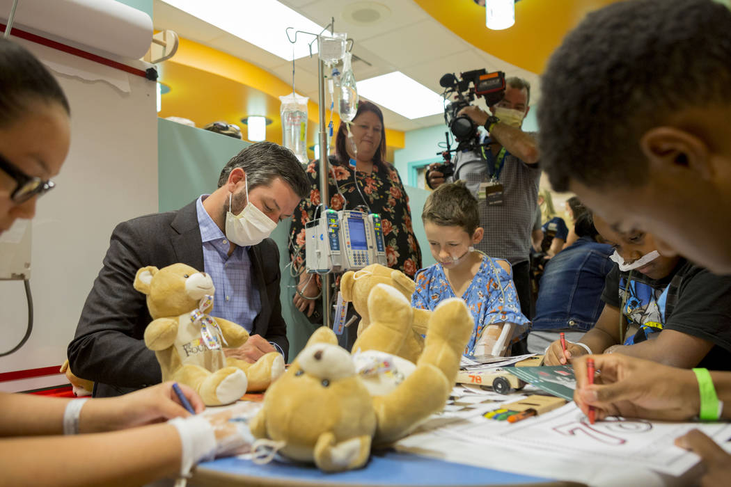 NASCAR champion Martin Truex, Jr. visits with patients at Sunrise Children's Hospital in Las Vegas, Tuesday, Nov. 28, 2017. Elizabeth Brumley Las Vegas Review-Journal @EliPagePhoto