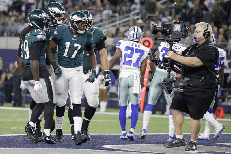 Nov 19, 2017; Arlington, TX, USA; Philadelphia Eagles wide receiver Alshon Jeffery (17) reacts to scoring a touchdown in the fourth quarter against the Dallas Cowboys at AT&T Stadium. Mandator ...