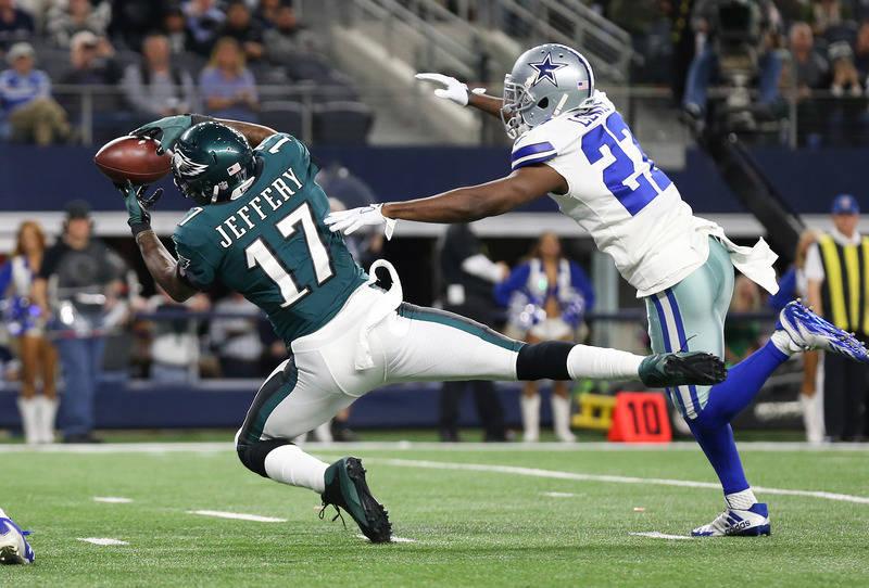 Nov 19, 2017; Arlington, TX, USA; Philadelphia Eagles receiver Alshon Jeffery (17) catches a fourth quarter touchdown against Dallas Cowboys cornerback Bene Benwikere (23) at AT&T Stadium. Man ...