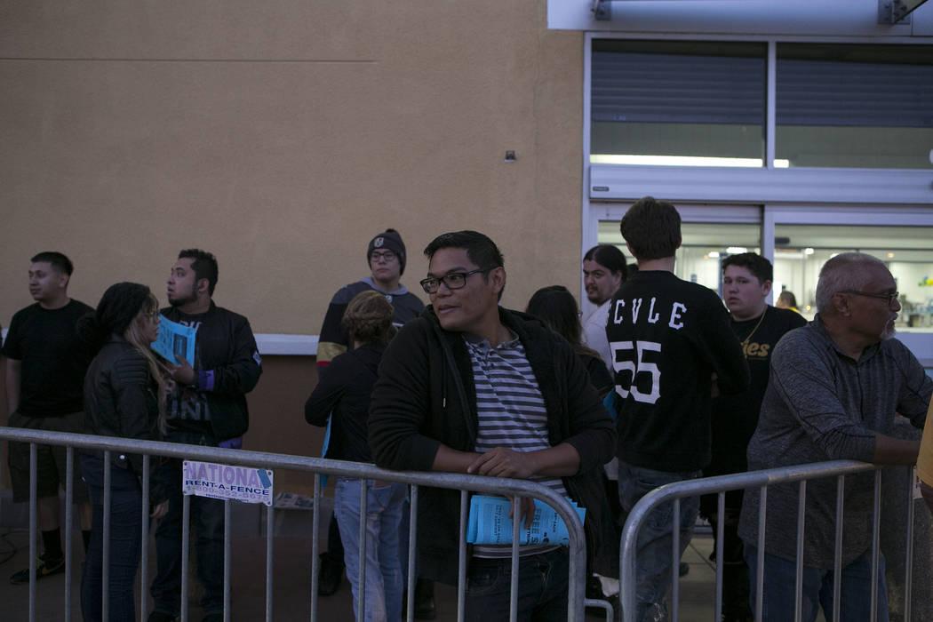 Michael Deang, center, waits in line for Thanksgiving Day shopping at Best Buy in Henderson, Thursday, Nov. 23, 2017. Bridget Bennett Las Vegas Review-Journal @BridgetKBennett