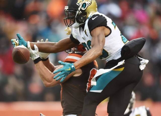 FILE PHOTO: Nov 19, 2017; Cleveland, OH, USA; Jacksonville Jaguars cornerback Jalen Ramsey (20) breaks up a pass intended for Cleveland Browns tight end Seth DeValve (87) during the second half at ...