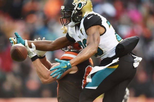 Nov 19, 2017; Cleveland, OH, USA; Jacksonville Jaguars cornerback Jalen Ramsey (20) breaks up a pass intended for Cleveland Browns tight end Seth DeValve (87) during the second half at FirstEnergy ...