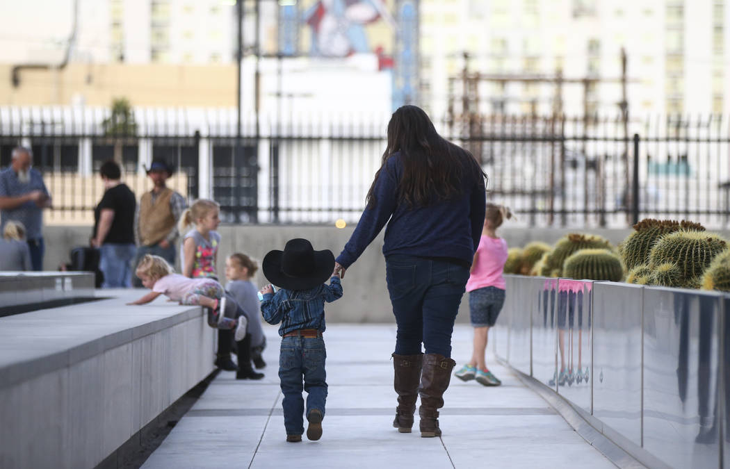 Stetsy Bundy, right, daughter of Cliven Bundy, outside the Lloyd George U.S. Courthouse on Wednesday, Nov. 29, 2017. Chase Stevens Las Vegas Review-Journal @csstevensphoto