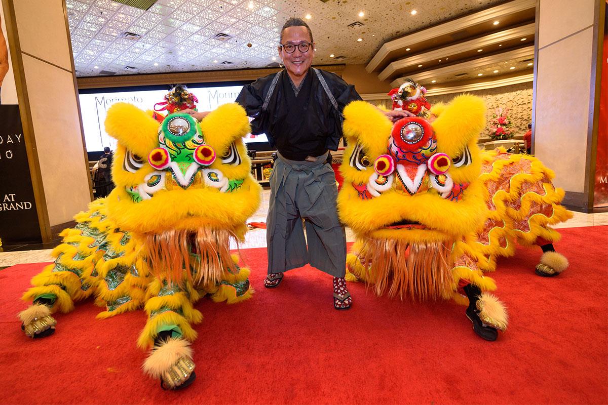 Chef-Masaharu-Morimoto-with-lion-dancers