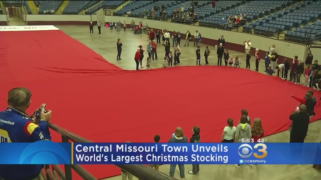Missouri town competes for world's largest Christmas ...