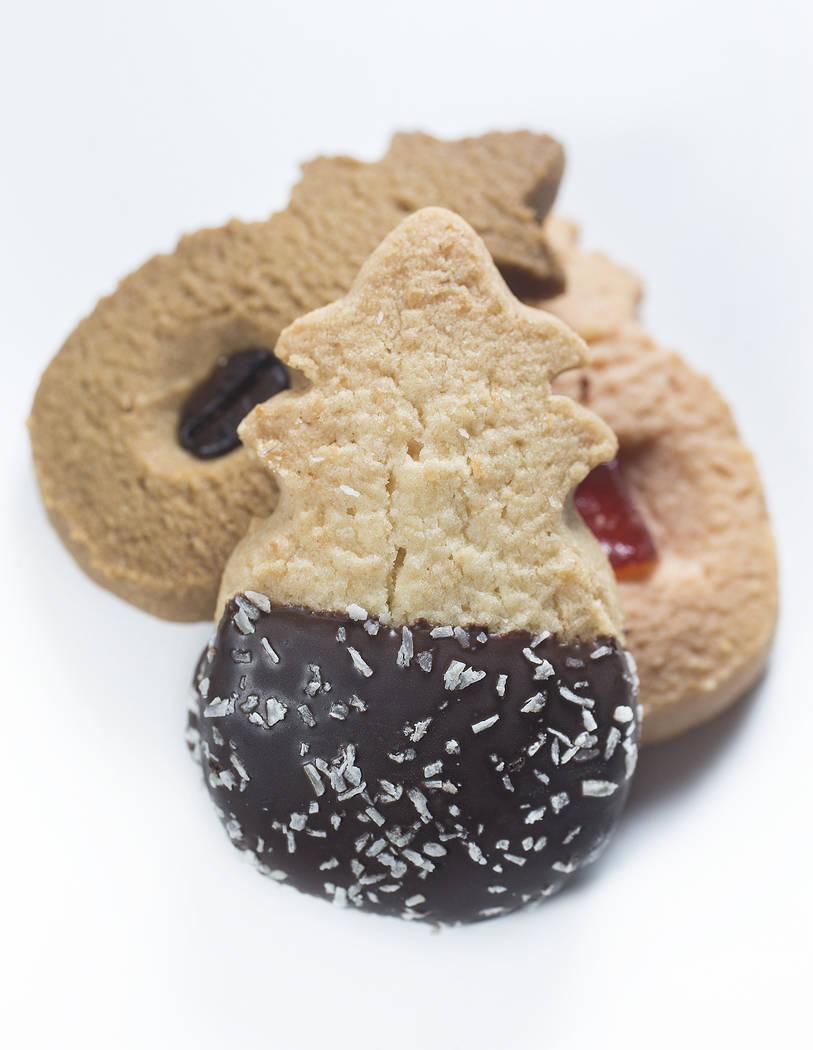 Honolulu cookies on Wednesday, Nov. 15, 2017, at the Review-Journal studio, in Las Vegas.  Benjamin Hager Las Vegas Review-Journal @benjaminhphoto