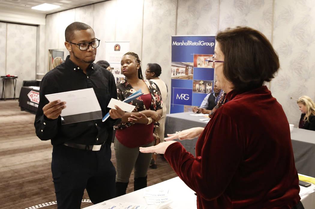 Victoria Gasca, recruiting manager at Binion's, talks to Eric King, during a hiring event at Palace Station on Thursday, Nov.16, 2017, in Las Vegas. Bizuayehu Tesfaye Las Vegas Review-Journal @biz ...