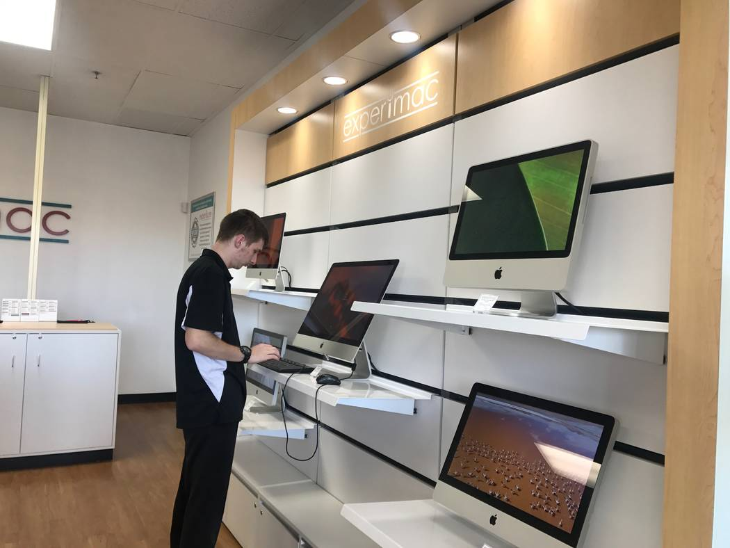Experimac employee Jared Thiel working on a computer on Nov. 24, 2017 at 5515 Camino Al Norte #105. (Kailyn Brown/View) @KailynHype