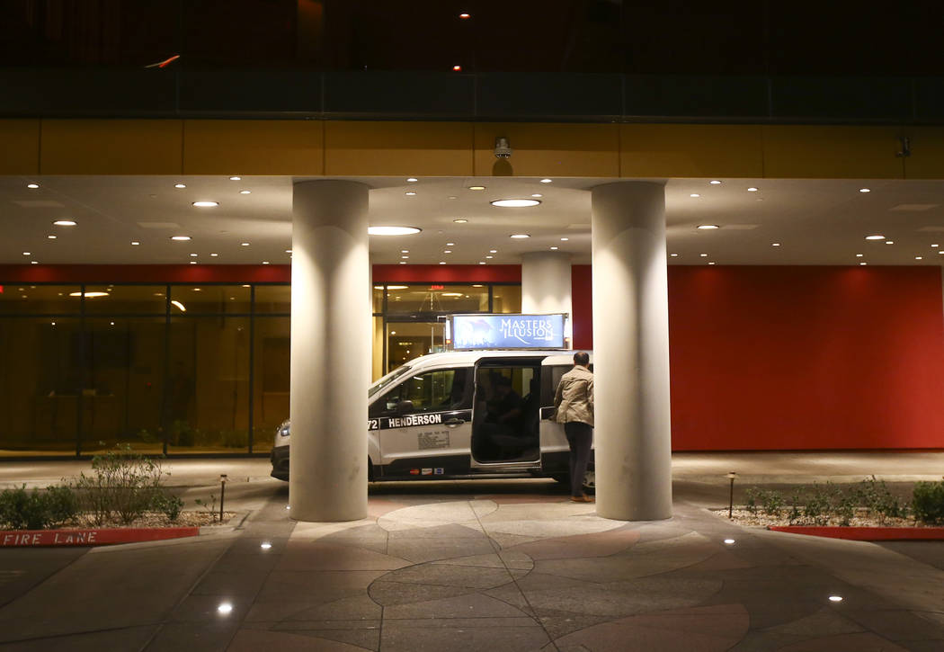 A taxi arrives at the Lucky Dragon in Las Vegas on Sunday, Dec. 3, 2017. Chase Stevens Las Vegas Review-Journal @csstevensphoto
