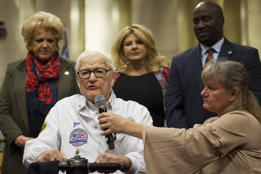 Pearl Harbor survivor Lt. Jim Downing, left, during a Las Vegas City Council meeting where he was recognized at Las Vegas City Hall, Wednesday, Dec. 6, 2017. (Erik Verduzco/Las Vegas Review-Journal)