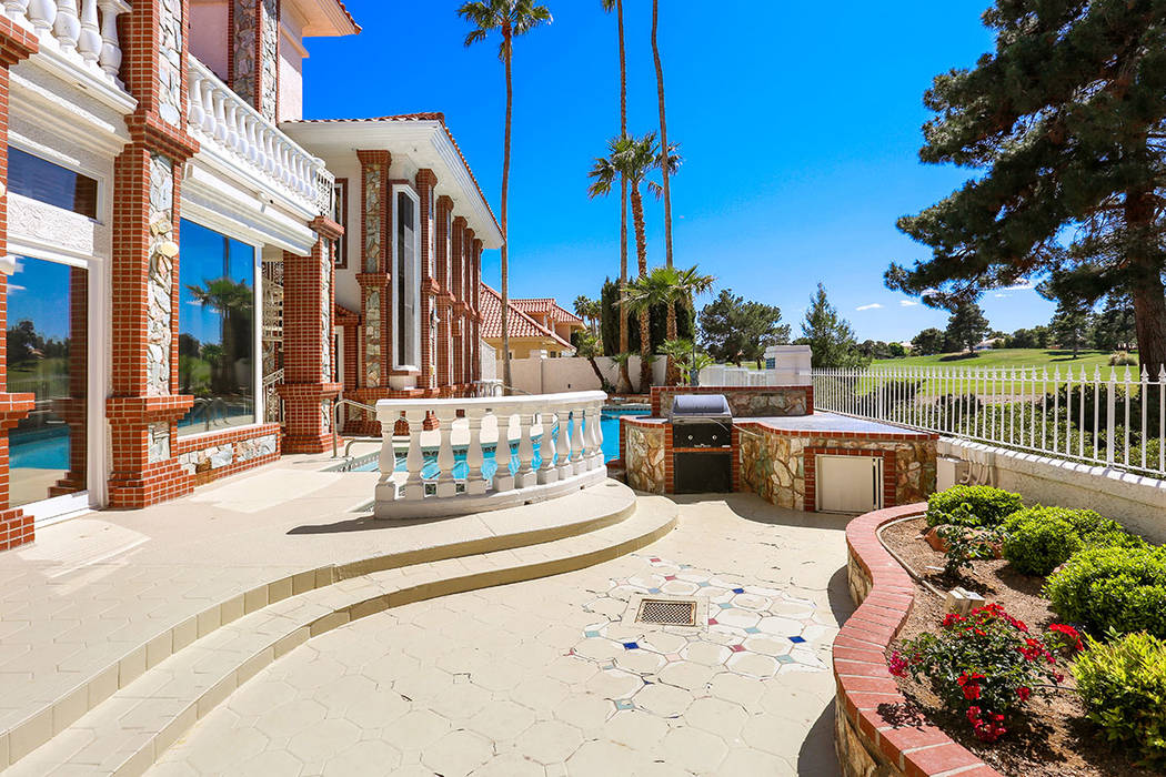 The home has an outdoor kitchen. (Luxury Estates International)
