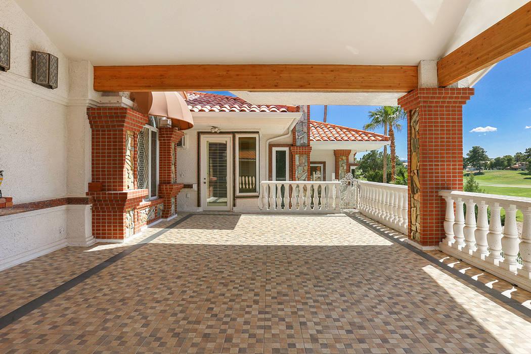 An outdoor patio. (Luxury Estates International)