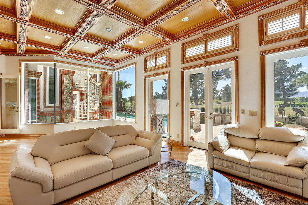 The family room opens to the pool. (Luxury Estates International)