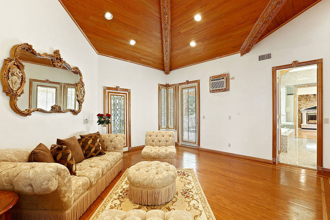 The master retreat. (Luxury Estates International)