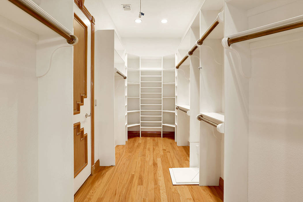 The home has his-and-her closets. (Luxury Estates International)