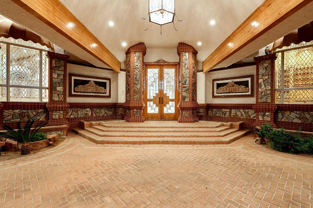 The front door. (Luxury Estates International)