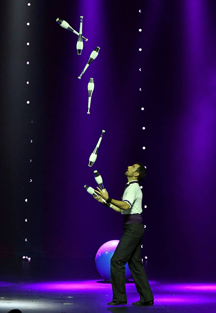 "Juggler Francois ""The Great Gaston"" Borie performs during the opening night of ""Circus 1903.""  (Ethan Miller/Getty Images for ""Circus 1903"" At Paris Las Vegas)"