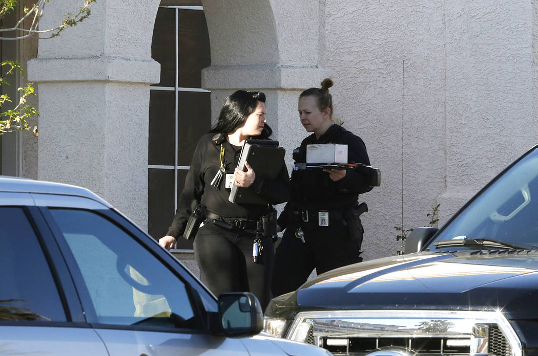 Las Vegas police investigate the death of a woman at 8521 Copper Knoll Ave. on Tuesday, March 14, 2017, in Las Vegas. (Bizuayehu Tesfaye/Las Vegas Review-Journal) @bizutesfaye
