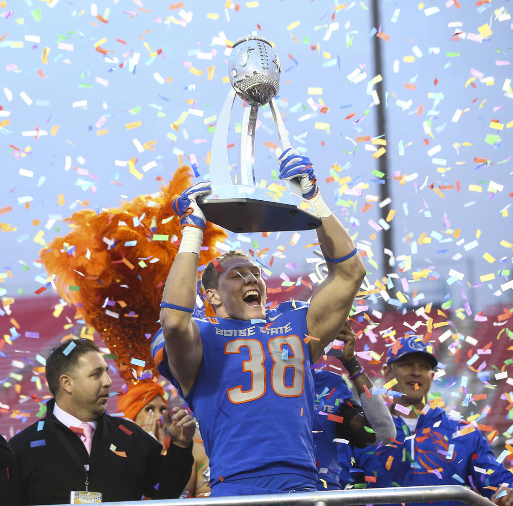 Boise State's Leighton Vander Esch (38) celebrates after defeating Oregon in the Las Vegas Bowl at Sam Boyd Stadium in Las Vegas on Saturday, Dec. 16, 2017. Chase Stevens Las Vegas Review-Journal  ...