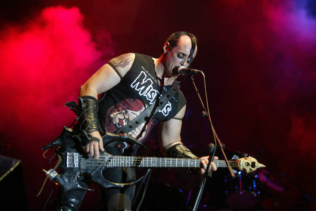 U.S. singer and bassist Jerry Only performs with his horror punk band The Misfits, at the Azkena Rock Festival, in Vitoria, September 1, 2006.   REUTERS/Vincent West   (SPAIN) - GM1DTKEFETAA