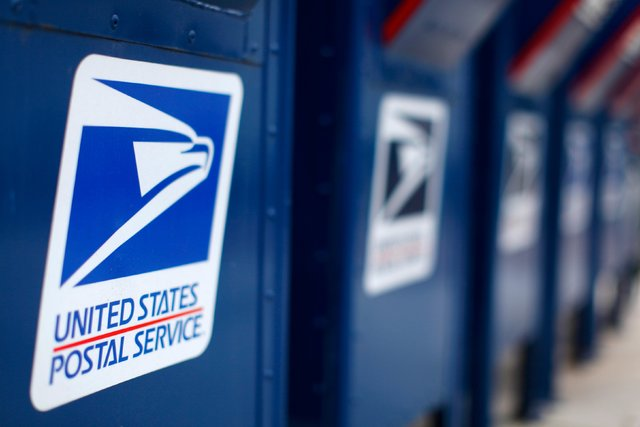 Some post offices in the Las Vegas Valley will be open this Sunday to accommodate holiday shipping. (Mike Blake/Reuters)