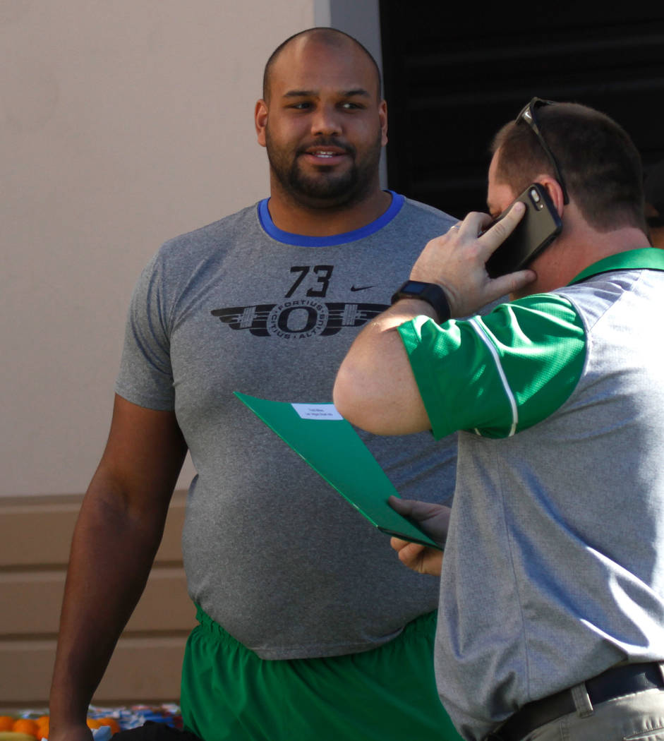 Oregon Ducks offensive lineman Tyrell Crosby (73) arrived at Bishop Gorman High School in Las Vegas for a football practice, Wednesday, Dec. 13, 2017. Oregon Ducks and Boise State Broncos will mee ...