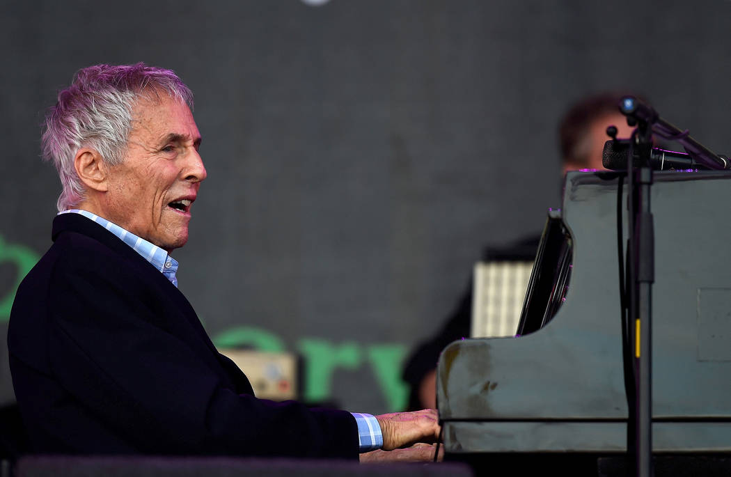 Burt Bacharach performs on the Pyramid stage at Worthy Farm in Somerset during the Glastonbury Festival in Britain, June 27, 2015.  Dylan Martinez/Reuters    - RTX1I25U