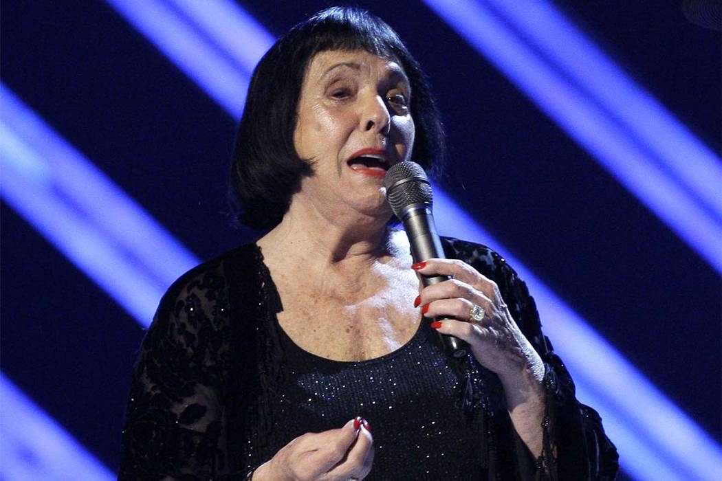 In this Feb. 10, 2008 file photo, Keely Smith presents an award at the 50th Annual Grammy Awards in Los Angeles. Smith, a pop and jazz singer known for her solo recordings of jazz standards as wel ...