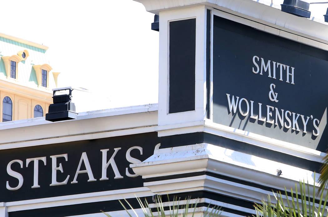 Investors have bought the Smith & Wollensky building on the Las Vegas Strip for $59.5 million. Bizuayehu Tesfaye Las Vegas Review-Journal @bizutesfaye